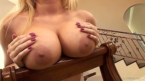 Big juggs girl Mariah Madysinn posing and playing with her own tits