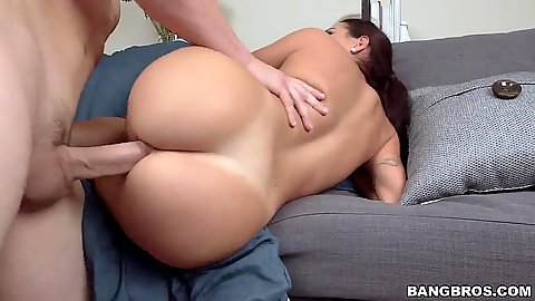 Curvy ass with sideways penetration from Julianna Vega