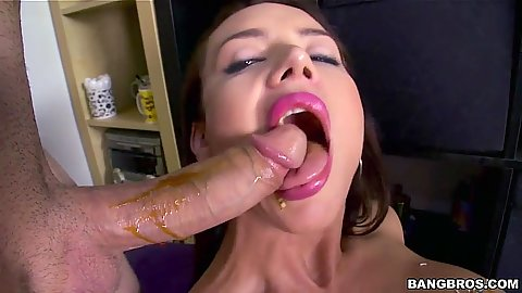 Wet and messy blowjob from good looking brunette Franceska Jaimes