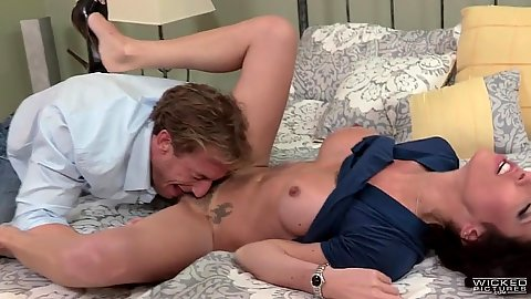 Pussy licking busty girl Dava Foxx and cock sucking