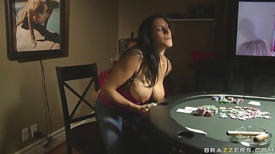 This milf aint got any cash for the but she has big tits