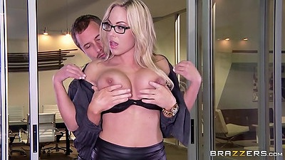 Stripping blonde milf Olivia Austin and Julia Ann in office threesome