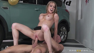 Irresistable care saleswomane Shawna Lenee gets nailed for better deal