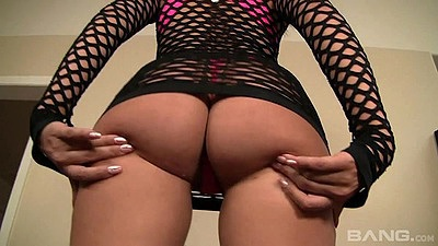 Ass bouncing and self touching fishnet chick Katie Summers