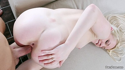 Lola Taylor giving a perfect ass view while getting rammed from behind with anal