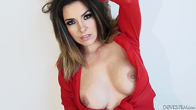 Medium size chest babe Danica Dillon gets kissed then does fellatio