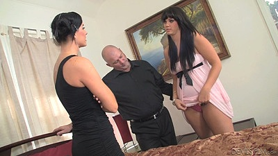 Threesome with milf and couple getting dirty Alison Tyler and India Summer