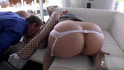 Round splendid booty with threesome Cameron Canada