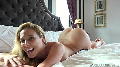 Smiling babe Cherie DeVille in this raw video