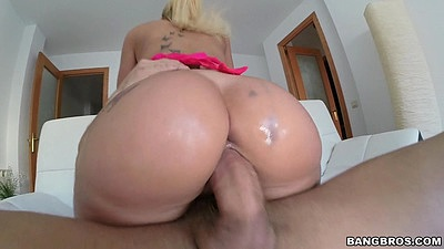 Round ass cowgirl blonde sex from voracious Kyra Hot