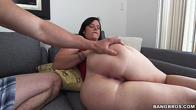 Fantastic round butt brunette Virgo Peridot close up pussy touching
