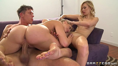 Round ass on dick sliding and pussy eating girls Mia Malkova and Alexa Grace