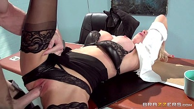 Engaging blonde boss lady office fuck with Alix Lynx