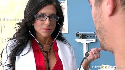 Smoking doctor milf doctor Jaclyn Taylor has a naked male patient