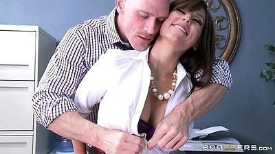 slender doctor big boobs undressing and cunnilingus Reena Sky