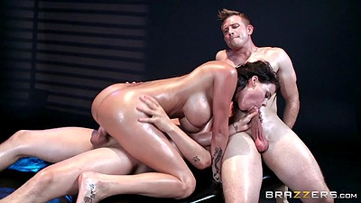 Threesome cock bouncing oiled up Peta Jensen in rough sex engagement