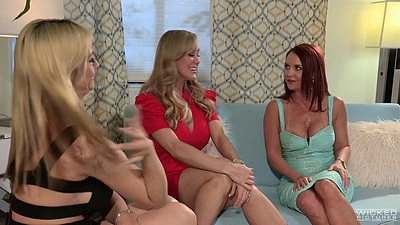 Sensual fully clothed bad advice girls Brandi Love
