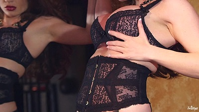 Lingerie Veronica Vain solo twerking and teasing