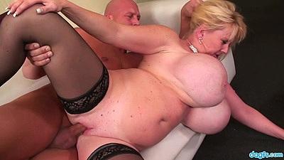 Huge knockers sideways mature slut fuck Kayla Kleevage