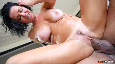 Lecherous reverse cowgirl with compensating whore Veronica Avluv