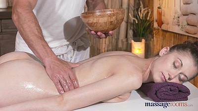 Anxious for some more fuck with babe getting oiled Meggie