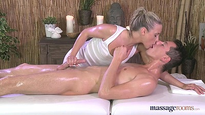 Handjob and a kiss from impressive female masseuse chicks d1