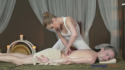 Oil massage with Alexis and Lutra