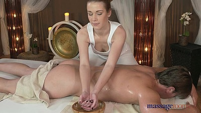 Massage oil with party girl Alexis