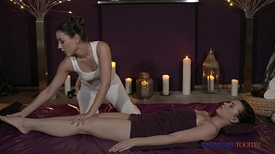 Erotic massage with oil from  expert Ivy and Carrie