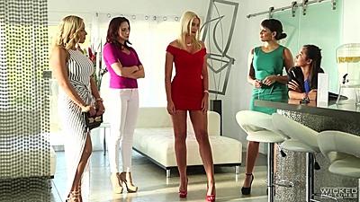 Fully clothed splendid babes Olivia Austin and Gigi Allens