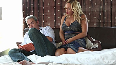 Blonde milf Olivia Austin spreading her legs for man