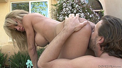 Stepmother milf Raquel Sultra pussy licked and banged outdoors