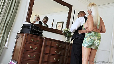 Blonde granny Mandy McGraw goes for interracial suck