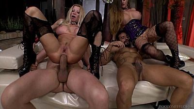 Reverse cowgirl anal drilling with some punishing action Lara de Santis and Cathy Heaven