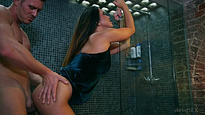 Shower room standing entry with horny petite Hanna Shaw