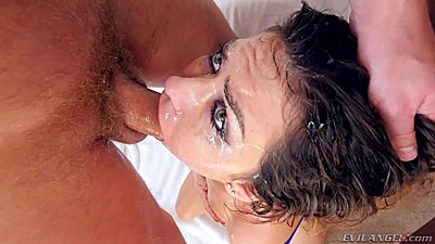 Temping deep throat with bad girl Melissa Moore gagging on the fluids