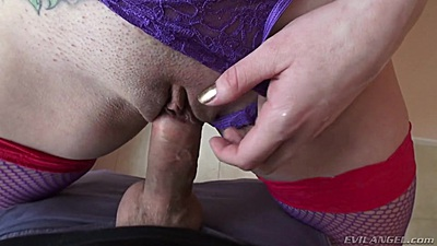 Amazing pussy sex with butt plug loving Dahlia Sky in bathroom