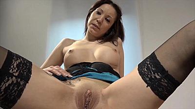 Spreading legs Natalie Hot on german solo sluts