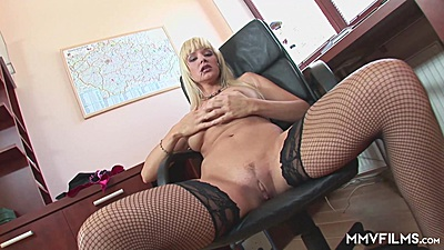 Spread her pussy and legs doll Natalli Di Angelo on office chair