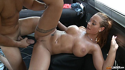 Kyra Hot spreads it wide for some nice slamming