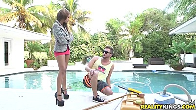 Skinny outdoor latina Jamie Valentine wearing some really high heels
