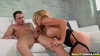 Intense milf blowjob and sex with hungry Parker Swayze