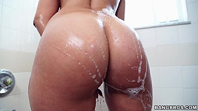 Soapy round ass latina milf Jazmyn washing her pussy and nipples solo
