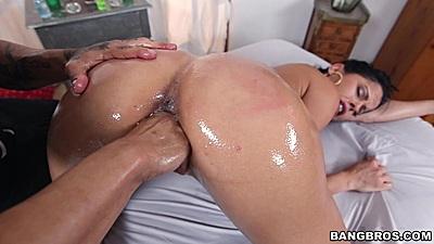 Fingering oiled butt milf Diamond Kitty with face sitting