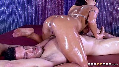 Oily massage with 69 August Taylor