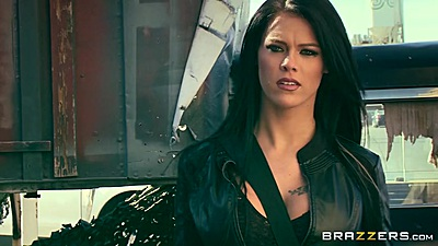 Heated babe Peta Jensen meets group outdoors in parody