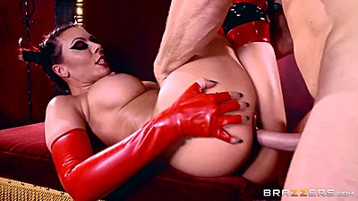 Rachel Starr is playing the role of a devil in cosplay sex
