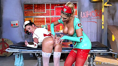 Gonzo doctor fingering and oil play with Starri Knight and August Ames