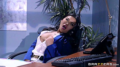Asian horny work Cindy Starfall doing herself