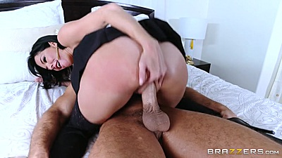 Big juggs mom milf Veronica Avluv sitting on penis